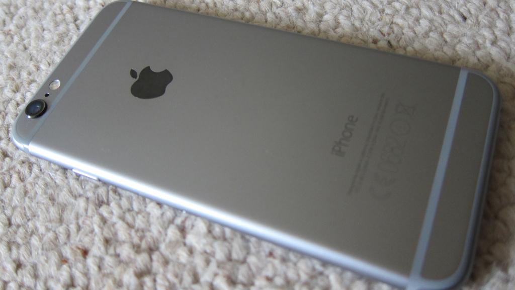 Report : Man Suffers From Severe Burns Because Of iPhone 6 Explosion.