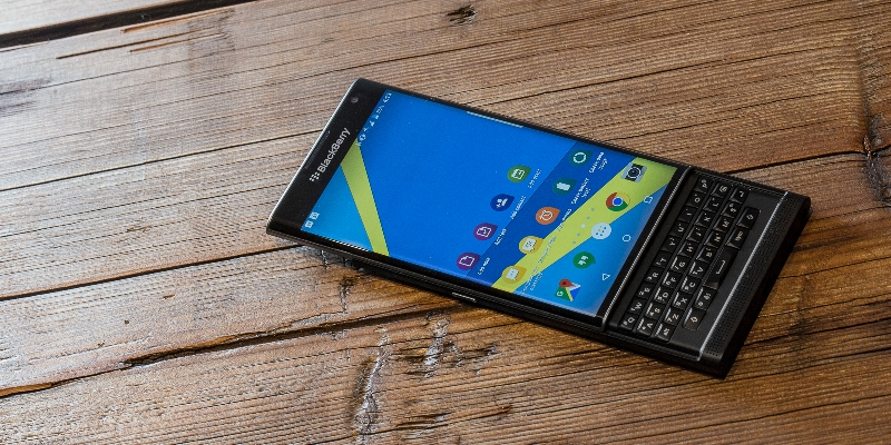 BlackBerry CEO Confirms A New Smartphone With QWERTY Keyboard.